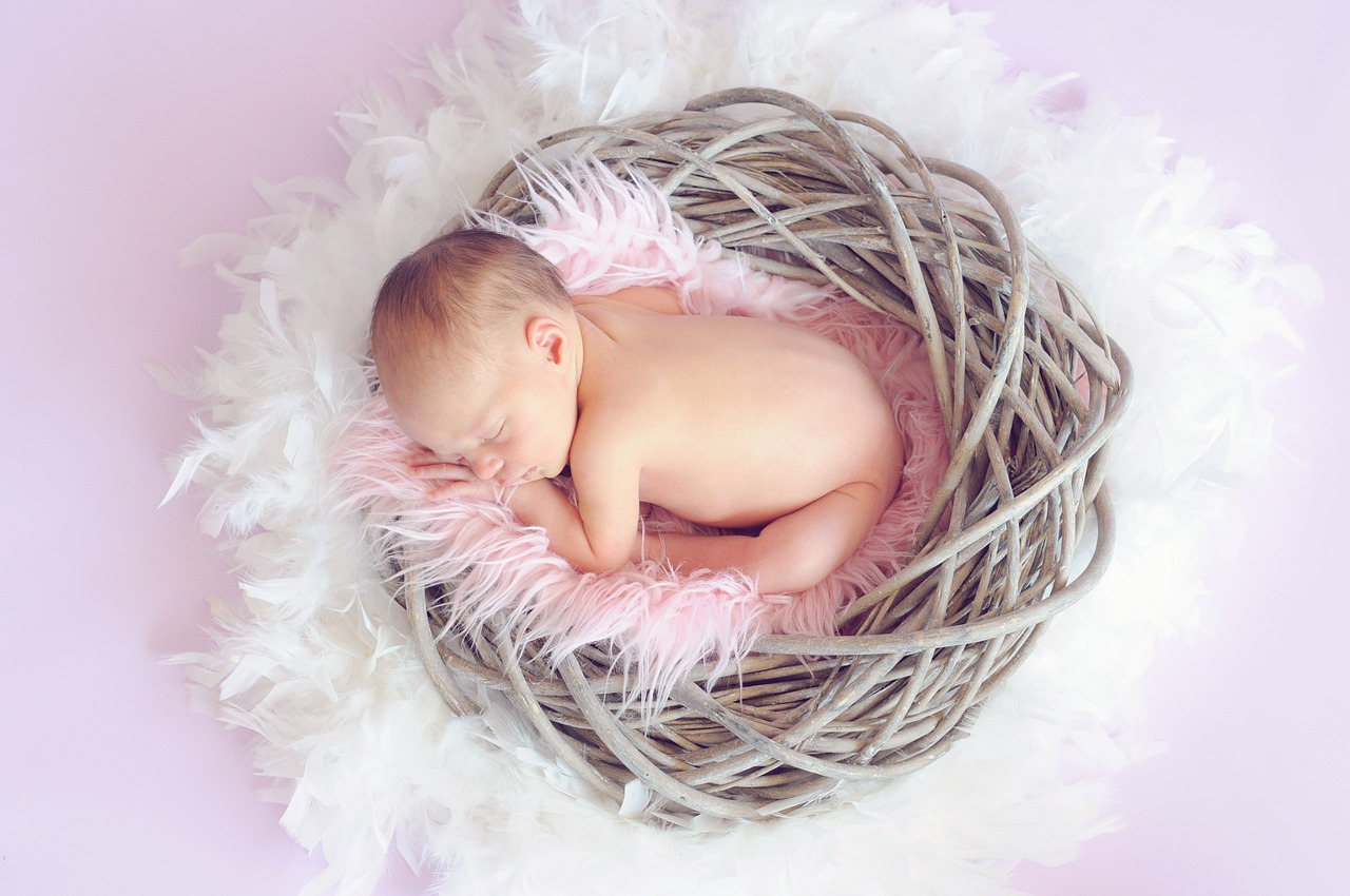 1 month old cute baby dp images