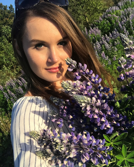 selfie_dress_iceland_lupines