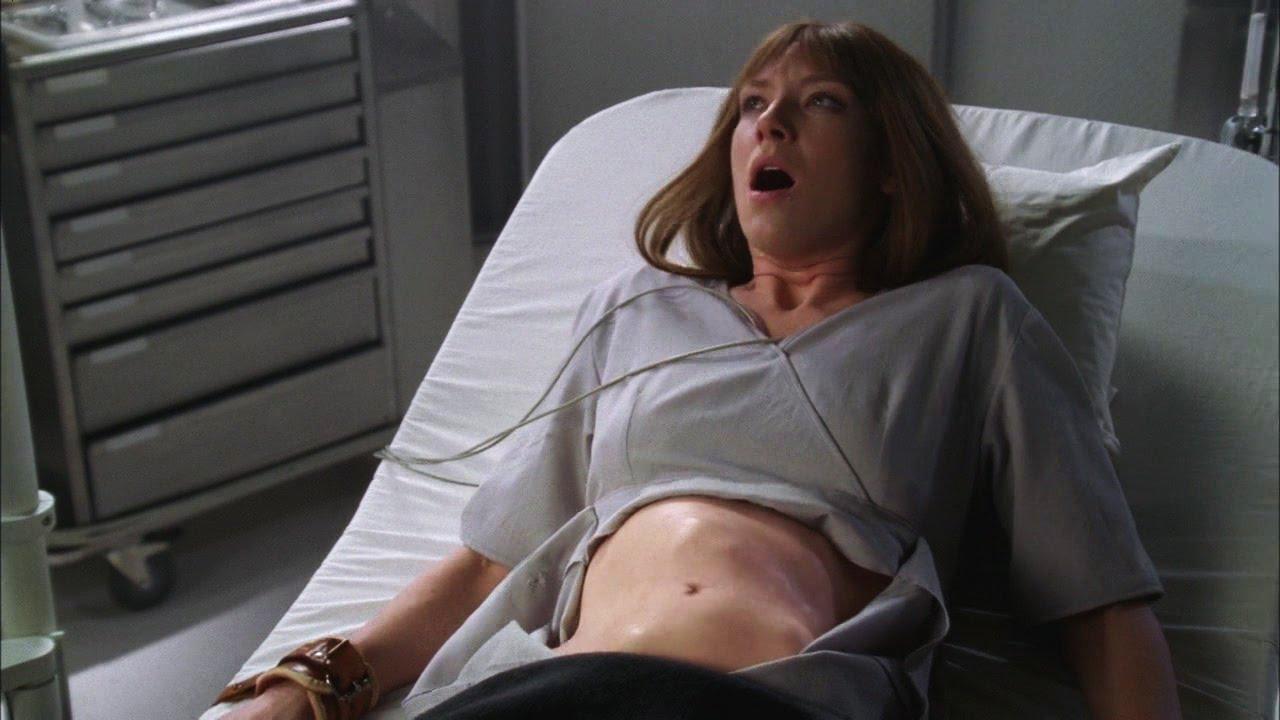 alien inside belly woman - 1280×720