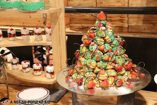 Christmas pastries in Latitude Restaurant