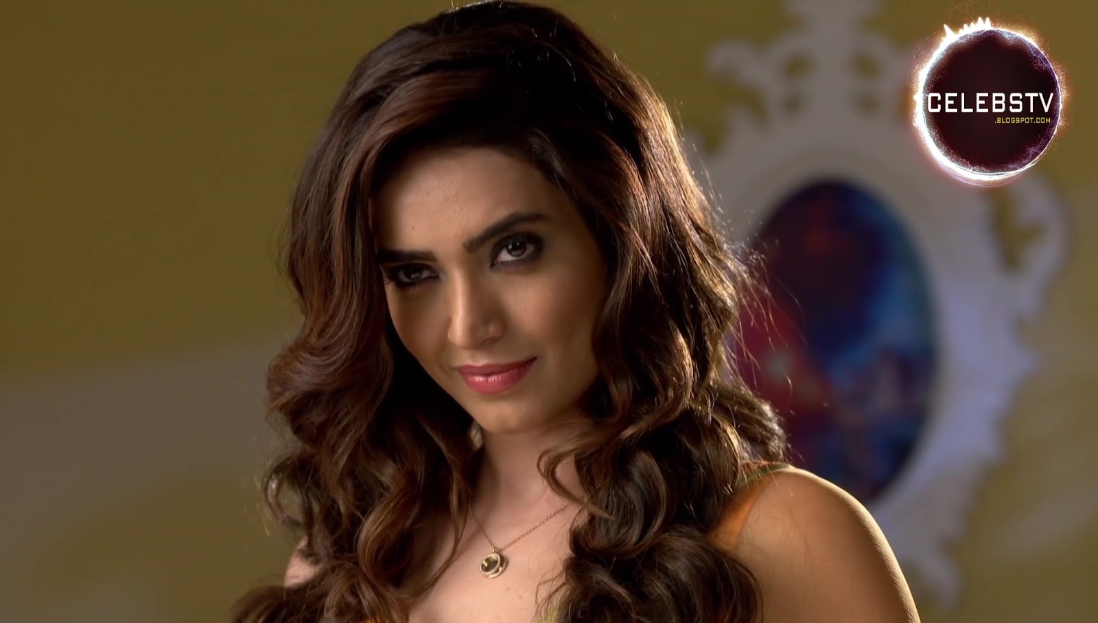 Tv Actress Karishma Tanna Hot Bare Navel Show - Sexy -6883