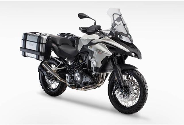 Benelli TRK 502 sang penantang Honda CB500X