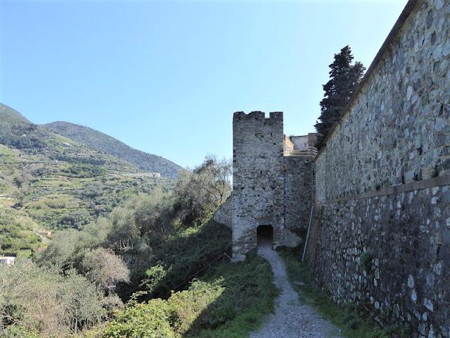 porta di accesso al castello