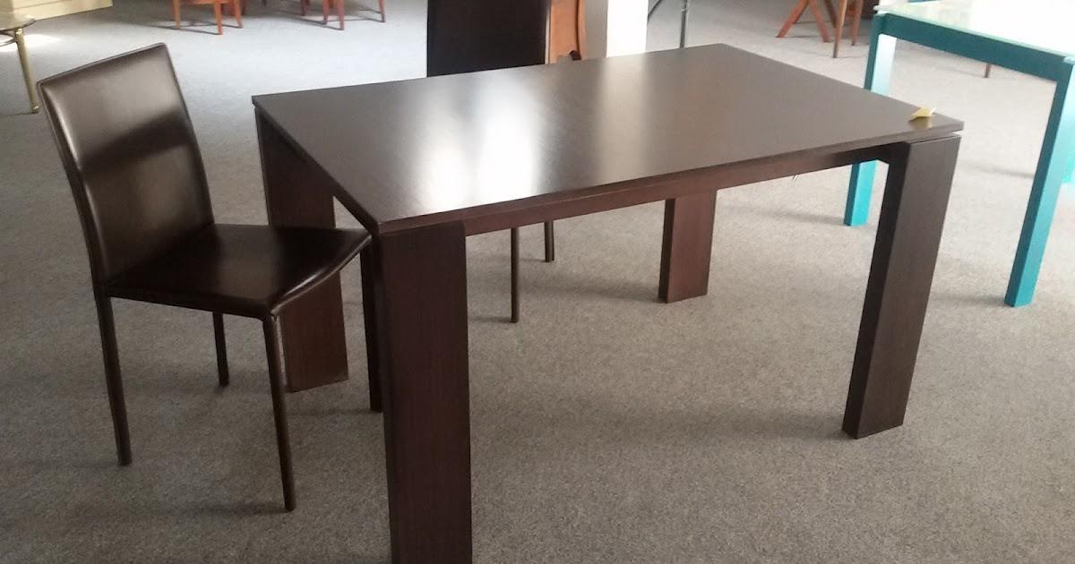 Outlet mobili da esposizione lissone tavoli for Mobili da esposizione