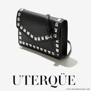 Queen Letizia carried Uterque Studded messenger bag