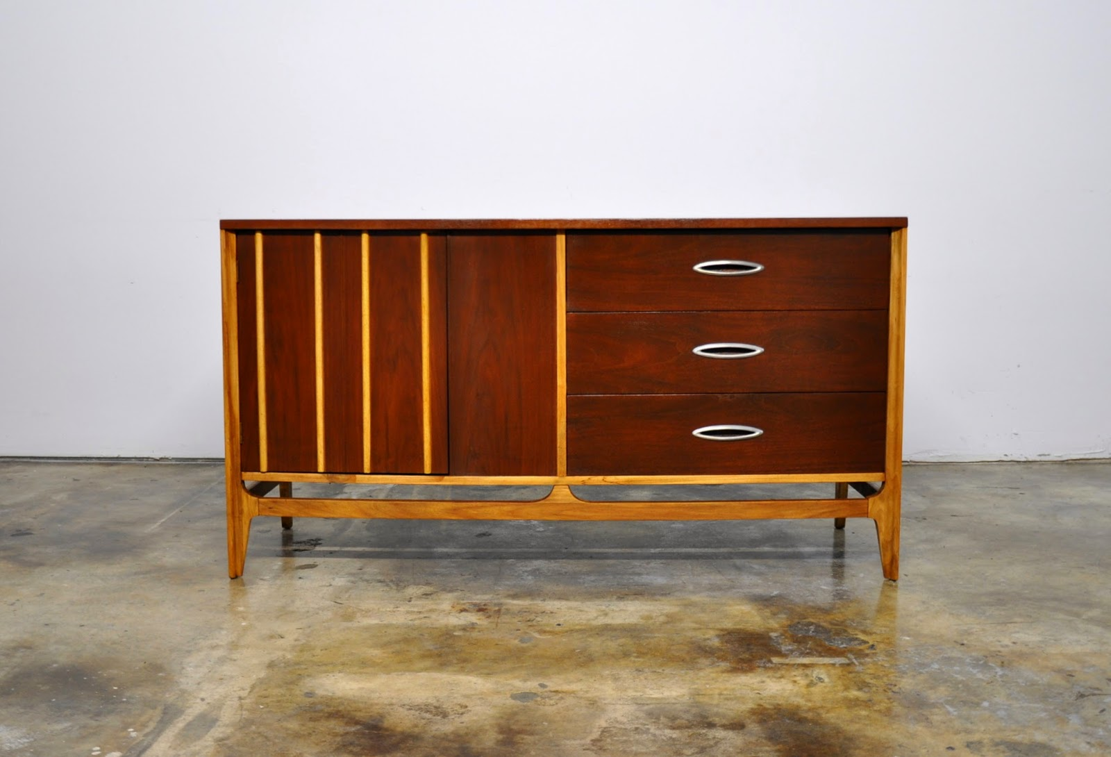 Select Modern Mid Century Credenza Bar Buffet Or Sideboard