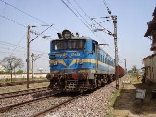 12271 Lucknow New Delhi Duronto Express