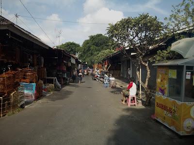 bagian selatan pasar burung satria
