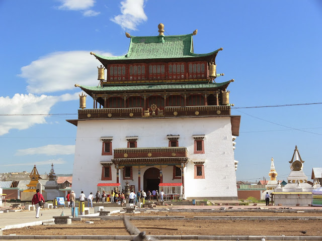 Migjid Janraisig Süm at Gandan Monastery
