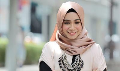 Penyanyi Malaysia Yang Layak Dikenali Sebab Suara Sedap
