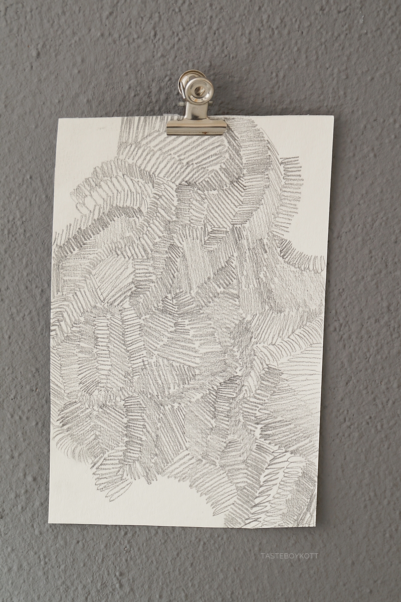 DIY Kunst: Abstraktes Bild mit Bleistift zeichnen. Tasteboykott.