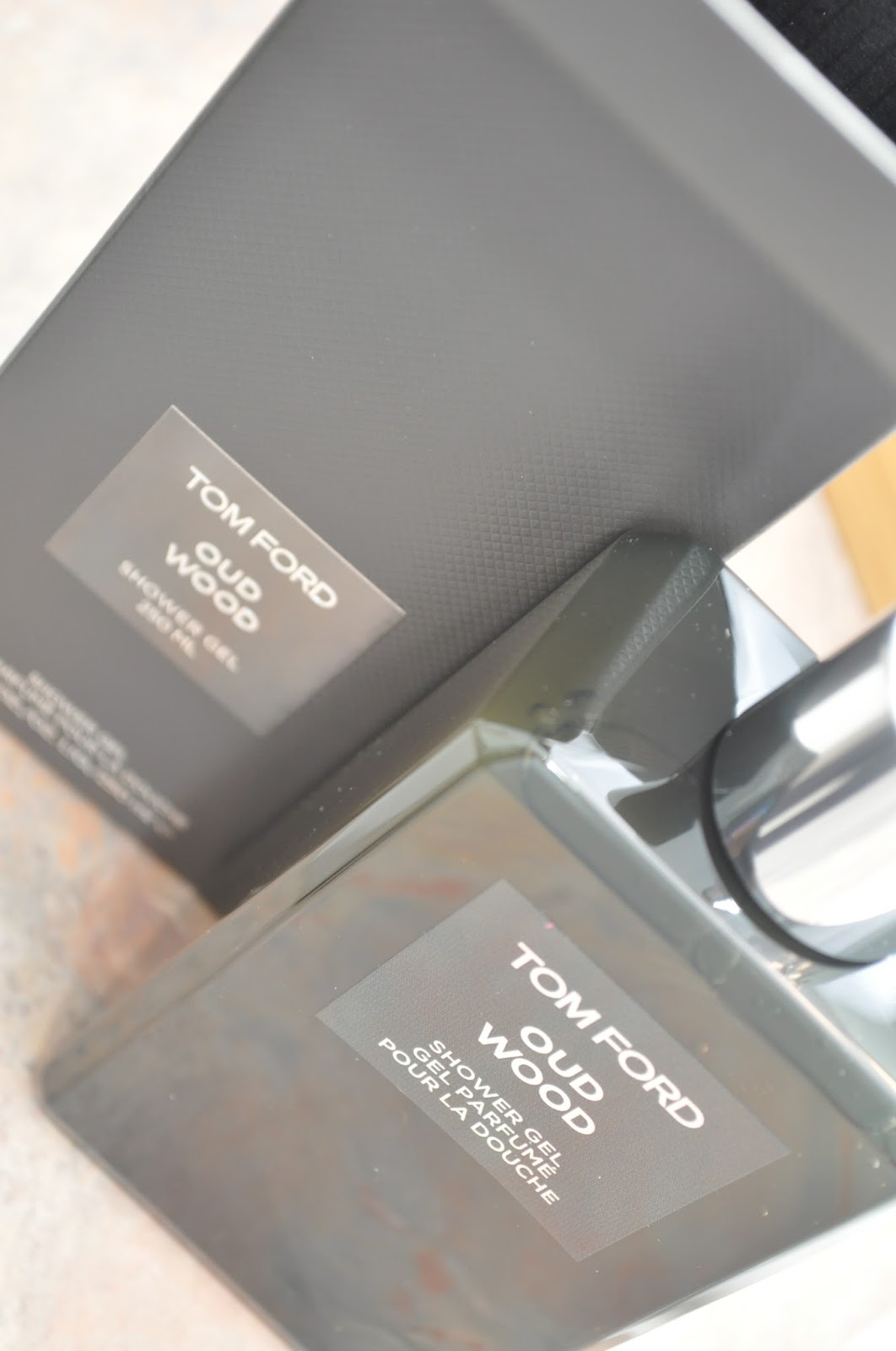 Naturally Beautiful ~ : Tom Ford Oud Wood Shower Gel Review