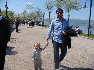 Oğlum babasıyla gezinirken, Sapanca Gölü