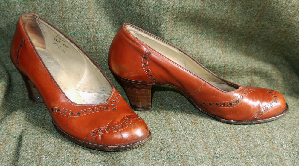 Black Court Shoes  Inch Heel