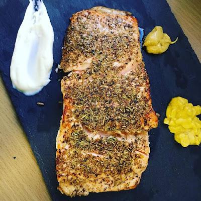 salmon con hierbas, plancha
