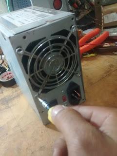 retire o cooler de uma fonte de PC