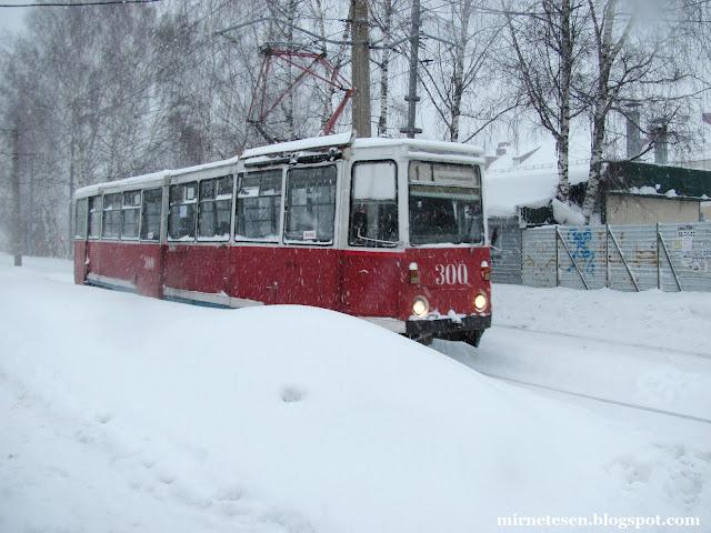 старенький трамвай в сибирском городе Томск