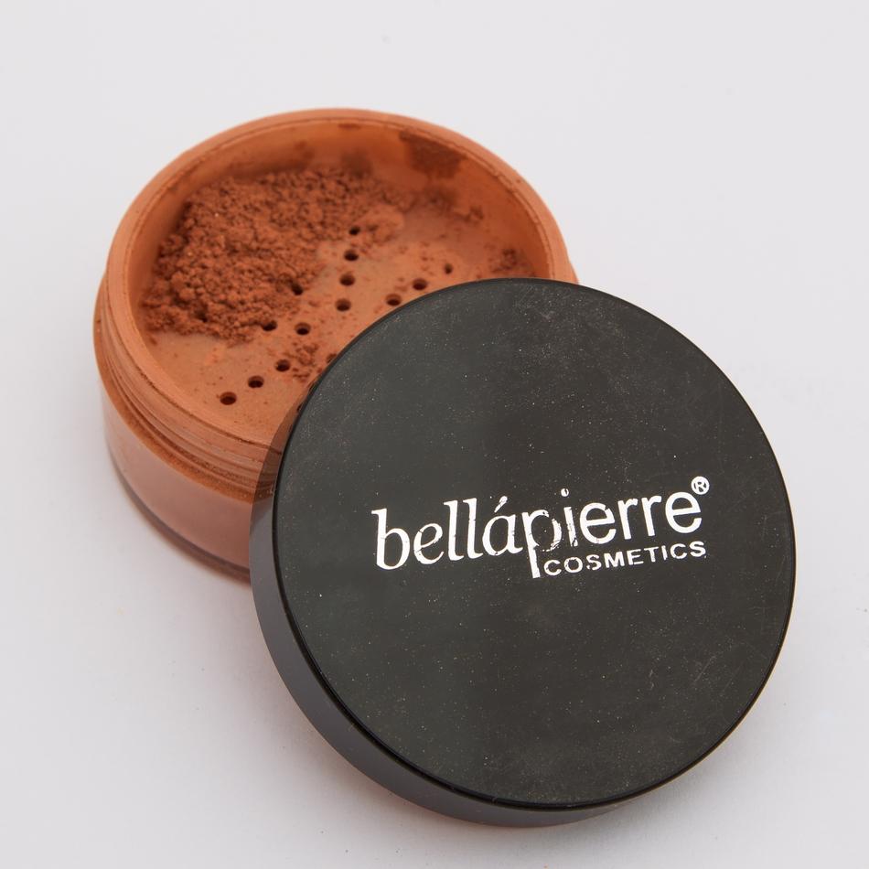 e01c8a99551 Kui seda segada Bellapierre värvitu huuleläike või kreemja mineraalbaasi  sisse, saad põsepunaga sobivas toonis huulevärvi. Kreemi kujul olev  mineraalbaas on ...
