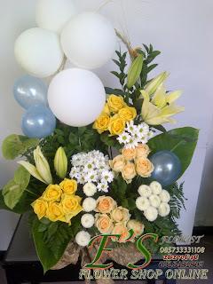 rangkaian bunga meja balon untuk ulang tahun