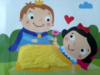 les contes de fées à toucher Blanche Neige et le Prince Charmant