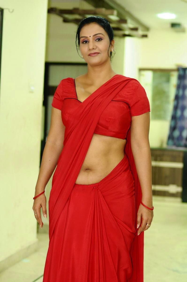 sexnayanthara-hot-in-saree