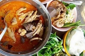 ชวนทำขนมจีนน้ำยาไก่สูตรนี้เป็นสูตรทางโคราช ใส่เครื่องในไก่ด้วย อร่อยแซ่บ