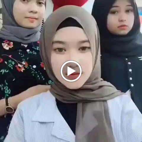 Beautiful Hijaber Broken Heart