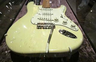 gitar termahal yang berharga miliaran hingga triliunan