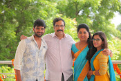 Maa Abbayi Movie Stills-thumbnail-15