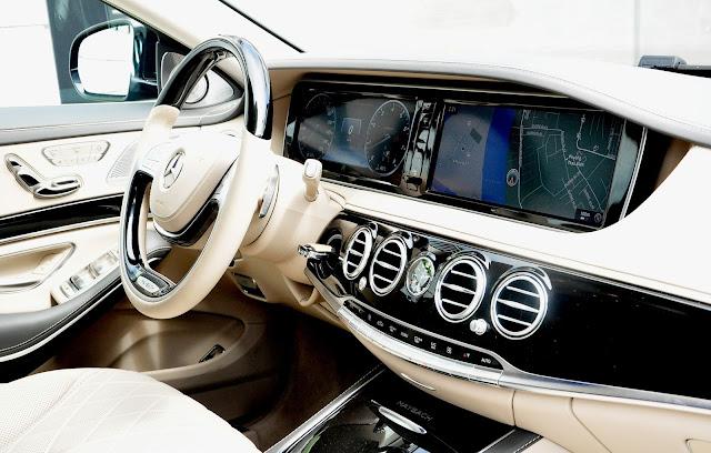 Bảng điều khiển Mercedes Maybach S500 được thiết kế theo kiểu hiện đại nhất