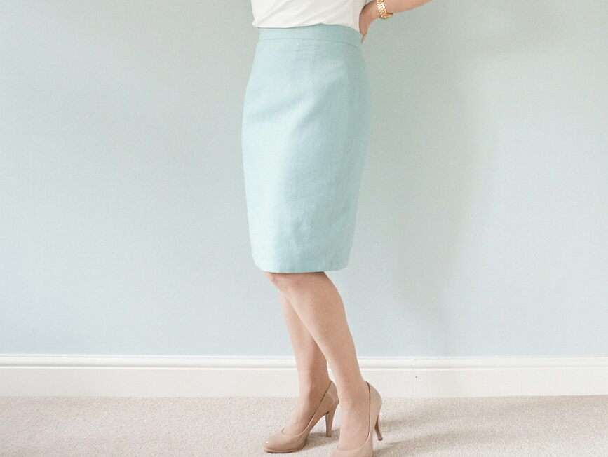 Pencil skirt with a waistband and lined kick pleat