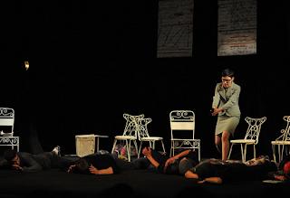 Contoh Naskah Drama Komedi Singkat 3 Orang
