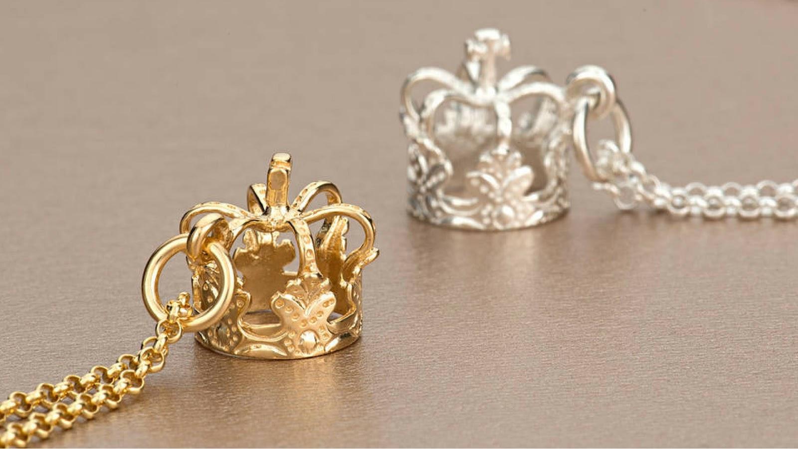 majestuosa corona de pandora