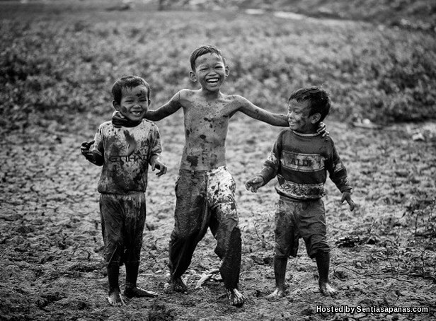 Anak main kotor