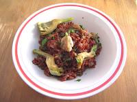Arroz rojo de la Camarga con champiñones y alcachofas