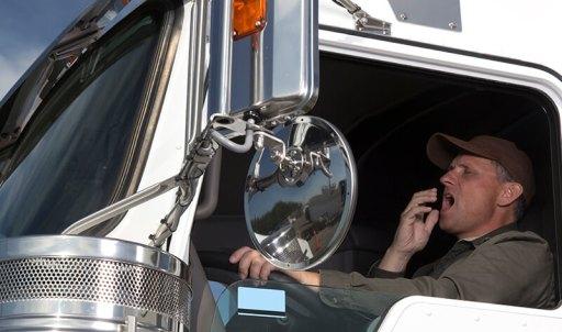 "Campanha ""Acorda Motorista"" alerta para riscos do sono ao volante"