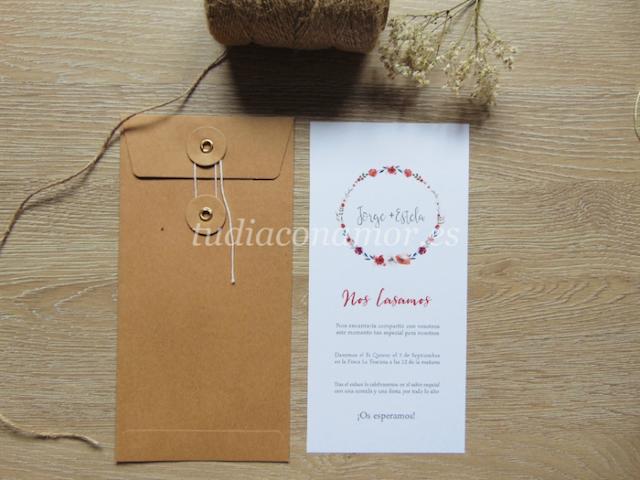 Bonita invitación de boda moderna e informal con corona de flores pintadas en rojo