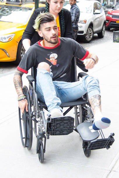 Zayn Malik se somete a cirugía en el pie