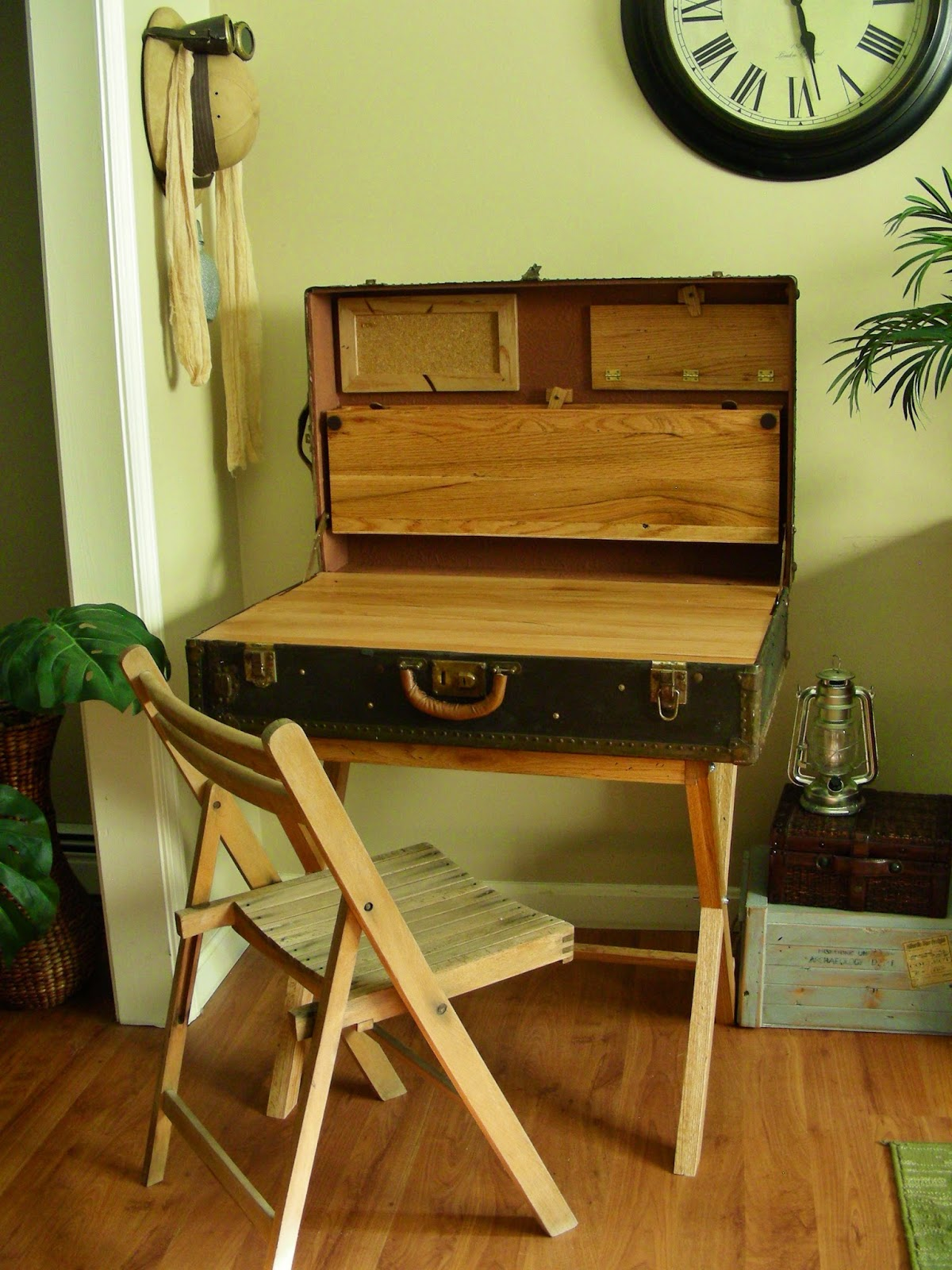 Destinations Vintage Upcycled Amp Repurposed Stuff Upcycled Suitcase Becomes A Campaign Writing Desk