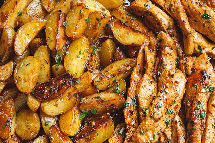 Special Recipe : Garlic Butter Chicken and Potatoes Skillet