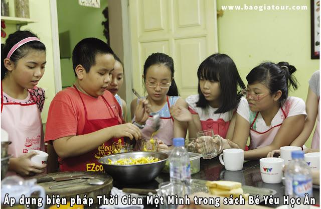 Áp dụng biện pháp Thời Gian Một Mình trong sách Bé Yêu Học Ăn