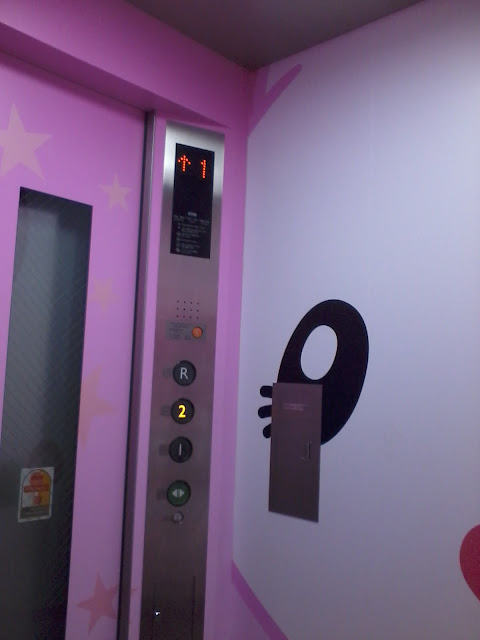 Hello Kitty Parking Park lift USJ