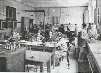 Ecole Normale d'institutrices de Mâcon, nouvelle salle de sciences, 1907 (collection AAEENM)