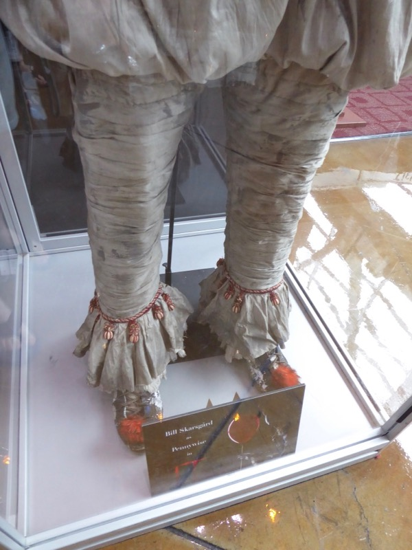 IT movie Pennywise costume legs detail