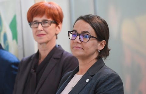 Novák Katalin kitüntetést kapott Varsóban a magyar családpolitika elismeréseként