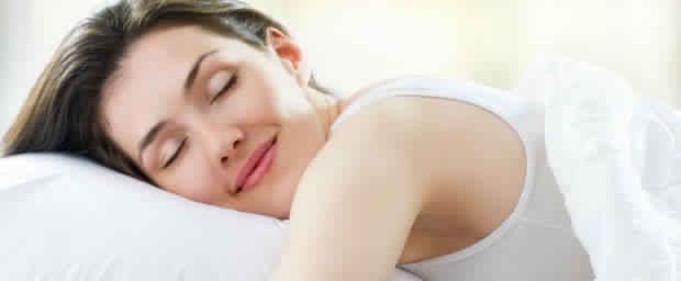 Un docteur découvre un moyen pour s'endormir en seulement soixante secondes! Une astuce spéciale