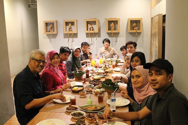 Makan makanan Sunda di Jakarta