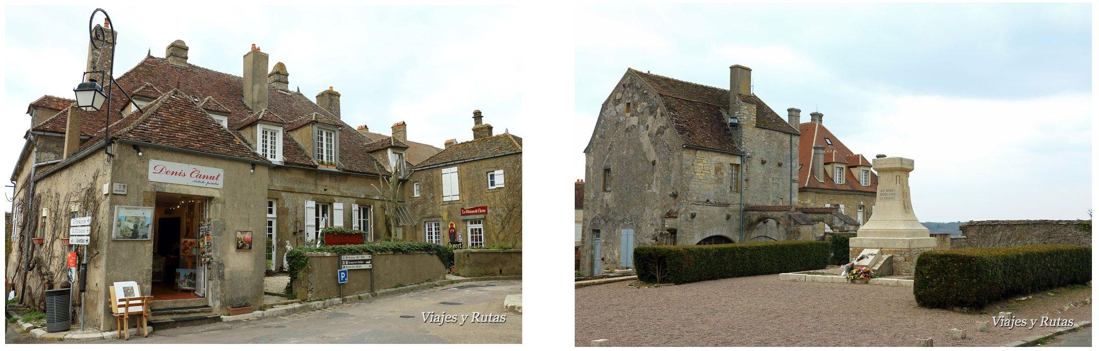 Casas y plazas de Vélezay, Francia
