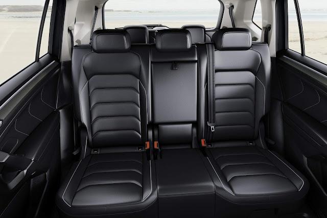 VW Tiguan AllSpace 2017 - espaço traseiro