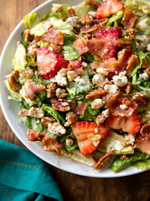 Strawberry bacon salad - Ioanna's Notebook